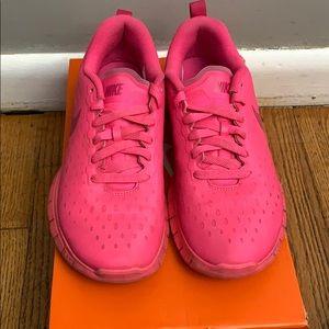 Used Big Kid Nike running shoes